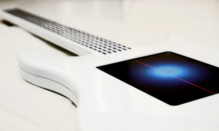 Touchscreen-Electric-Guitar-01