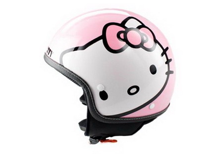 hello-kitty-helmet